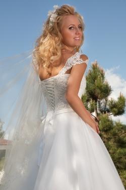 model Adelita